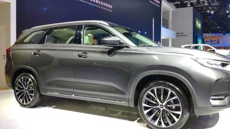 起售价77700元,顶配127700元,还是一台长为4705mm的SUV