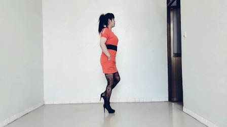 简单步子舞《桥边姑娘》也叫走路舞,还可以叫踩点舞