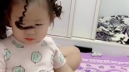 给宝宝烫个头发,这父母心是真大