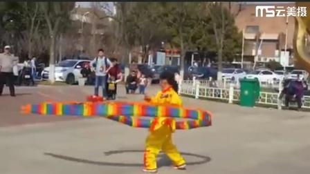 请欣赏南京莫雯煊小朋友(九岁)的精彩视频