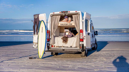 @Vanlife 那些充满创意的露营车改装,你的面包车上还差一张床