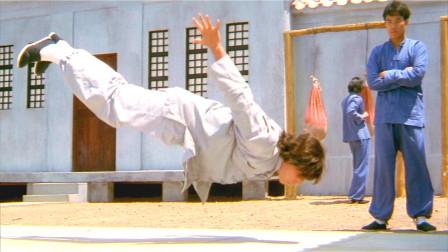 男孩从小就是武学奇才,不仅能一拳打穿别人肚皮,甚至还能靠呼吸做俯卧撑!