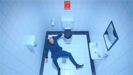 光头男深夜进入街边小厕所,因为没有保持干净,差点在厕所里溺水而亡!