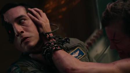 终结者:金发妹施瓦辛格完美配合,休想靠近救世主分毫,太帅了