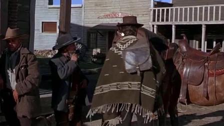 西部赏金猎人伊斯特伍德,出枪速度跟开玩笑似的,掏枪就死人
