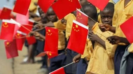 非洲最穷国家,受到中国千亿援助成功脱贫,如今献上一份大礼!