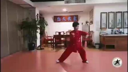 徐勤兰老师表演剑