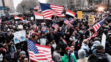 """""""噩耗""""再次传出!全球目光聚焦东方,美国又该如何自救?"""