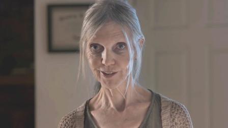 恐怖片:被家暴的女人有多懦弱,丈夫已经变成骸骨,妻子仍恭敬服侍它