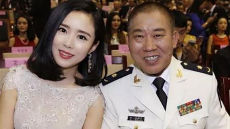 看看曾志伟的女儿,再看看杜旭东的女儿,难怪有人说不是亲生的!