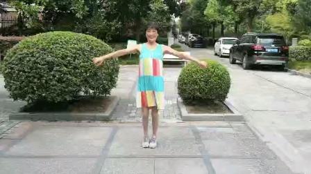 (18)《军港之夜》广场舞,小区练习舞动。徐淡吟老师🌹🌴💄💐