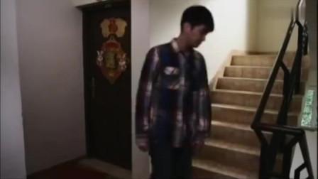 幸福从天而降:杜江闯入居民家中,说人家砸死了自己的狗