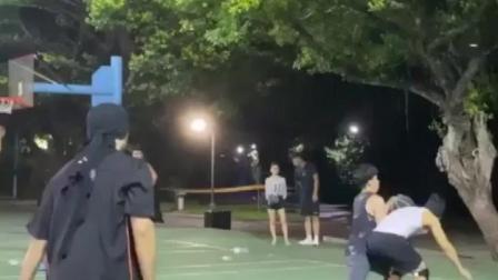 周杰伦陈汉典晚间约打3V3篮球