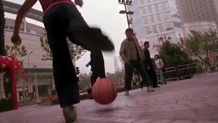 星爷当年的那脚球威力有多大,科比给出了答案