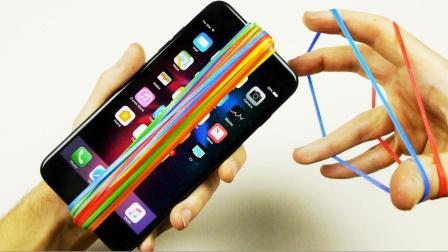 用15000根橡皮筋捆绑手机,手机:喷火试试,网友:虐机狂!