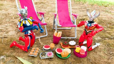 巴顿趁赛罗奥特曼和欧布睡着偷偷吃掉他们的野餐食物