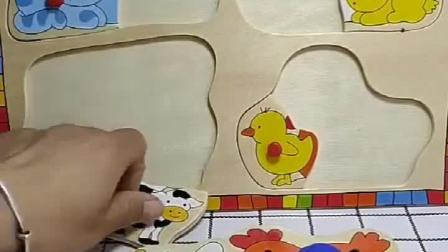 阿奇家里进了老鼠,阿奇求助了猫妈妈,猫妈妈帮阿奇解救了烦恼