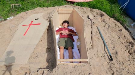 24小时挑战住棺材里!躺里面睡觉是什么感觉?