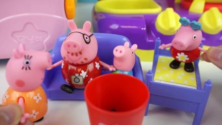 北美玩具:小猪佩奇用咖啡机与搅拌机厨房玩具做早餐