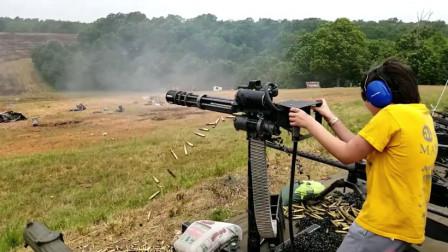 3款机枪靶场射击测试,论射速我就服加特林,弹药消耗跟流水似的