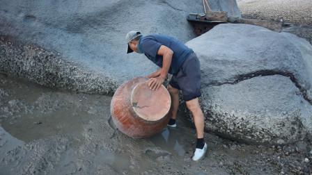 泰叔收螺筐发现蹊跷,不起眼的水坑有东西,这简直是意外之财