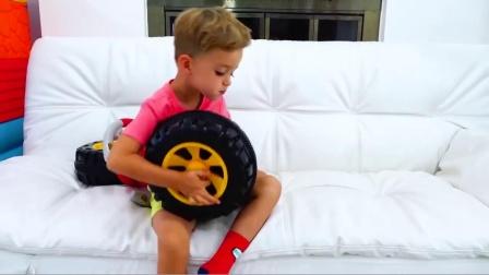 萌娃小可爱心心念念的玩具车终于制造出来啦!—萌娃:手艺不错嘛!这正是我想要的