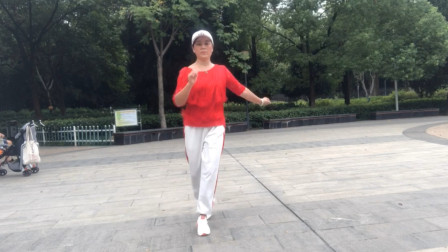 鬼步舞每天跳30分钟,原来135斤现在110斤,请看前面视频