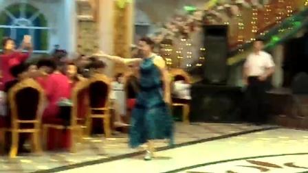 美女维吾尔族舞蹈表演2020-9-12
