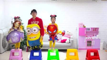 国外儿童时尚,宝宝有好多小气球,和哥哥一起玩