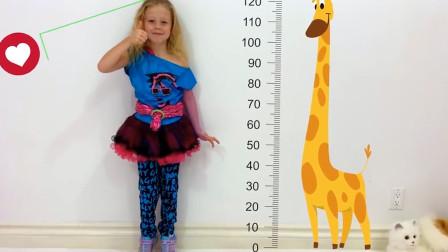 萌宝玩具故事:咋回事?小萝莉是如何让自己变高的呢?