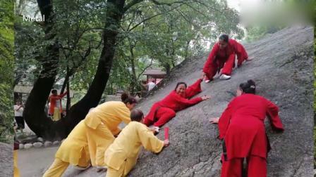 白惠霞女士等在平阳湖  千亩荷塘  红河谷弘扬太极文化活动花