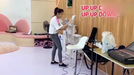 Cindy袁咏琳拉小提琴 - 练习室幕后花絮
