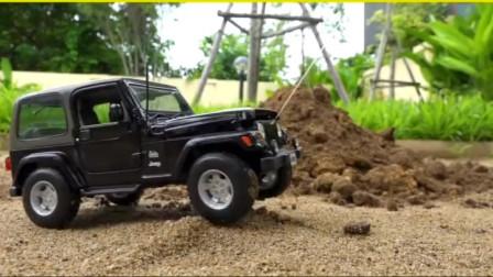户外汽车挖掘机工作表演 工程车玩具世界