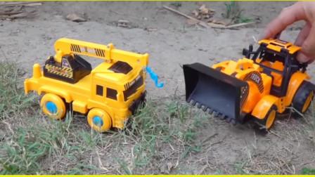 户外汽车挖掘机工作表演