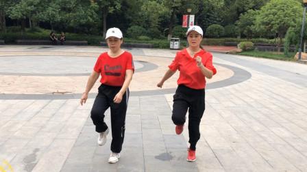 鬼步舞《对面的小姐姐》歌流行舞动感时尚又简单,好学又好看