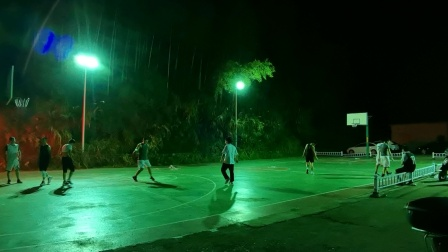 淤上篮球公园