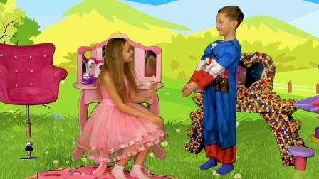 萌娃小可爱变身超级英雄帮助了遇到困难的姐姐,真是棒棒哒!