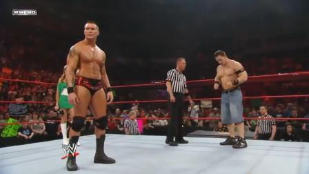 WWE超有历史感的罕见对决,塞纳兰迪联手宣战整个红色品牌!
