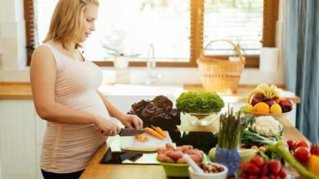 """孕妇嘴再馋,这3种食物也要控制住别吃,影响胎儿""""脑部发育""""!"""