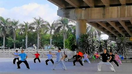 硬核!榕江之滨一群太极爱好者,集体老架一路上