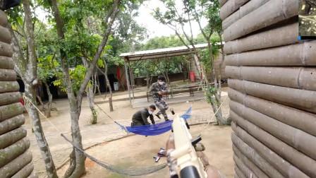真人版吃鸡:队友被敌人击倒,敌人趁我扶队友一个一个冲过来送!