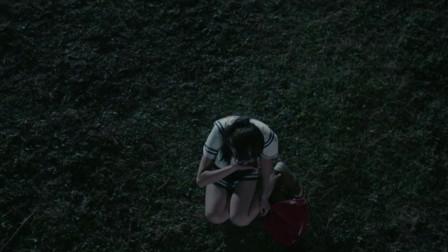 美女遇上坏人,伤心的走向河里,被路过小伙救下带回家