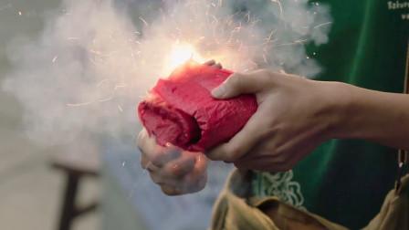 美女开豪车被碰瓷,小伙却点燃一挂鞭炮,接下来笑出猪叫声!