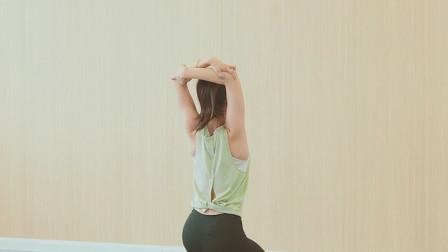 初学瑜伽的人,一定不能缺练这三个动作!