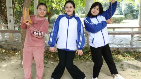 学霸王小九校园剧:老师偷玩无硼砂泥被学生发现,没想老师却让学生比赛跳舞,太逗了