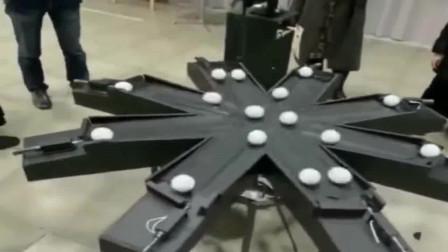 这机器算法真精密,几十颗球同时转动,不会有一颗会相撞!