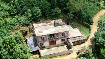 广西深山里的独居人家 水电通了但还没网,要你住这能坚持3天否?