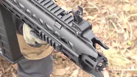 BB弹供弹能打40多米的电动玩具步枪,打在身上应该不太好受吧!