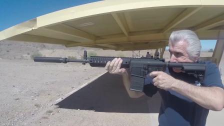 安装消音器的LE901突击步枪,射击声音小的可以忽略不计!