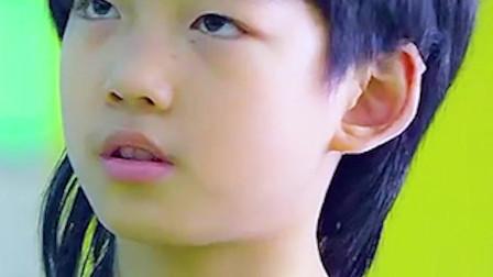 龙拳小子:跆拳道老师看不起自己学生,接受挑战后,结果惨被打脸